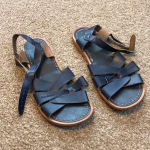 Women's navy saltwater sandals